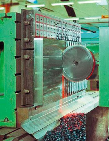 注塑机磁力模板技术及选配要点