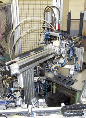 班制生产中保证工作的高可靠性.   在装配工位上,三坐标上下