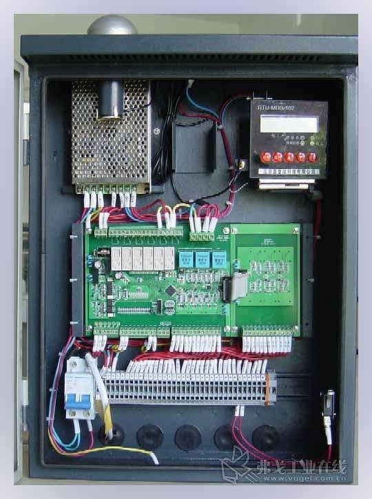 路灯开关箱加电表接线图