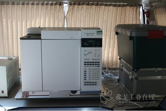 移动检测车上配置的安捷伦7890气相色谱仪
