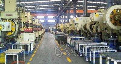 图3  广州某企业采用E 1000系列变频器进行一拖多应用