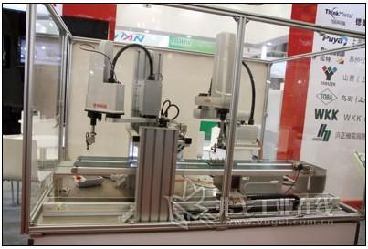 2012工业机器人展首秀增色中国工博会