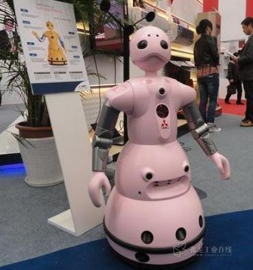 粉红机器人进口博览会卖萌 精度成工业机器人绝杀技