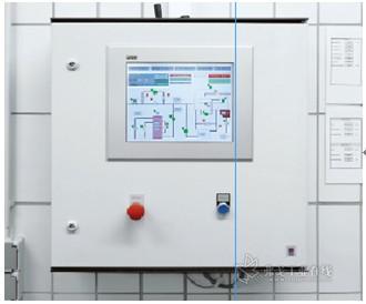 各子站直接安装有控制和监控系统设备的触摸屏