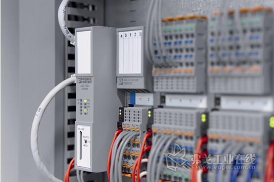 图3 Axiocontrol能够实现柜内的紧凑安装