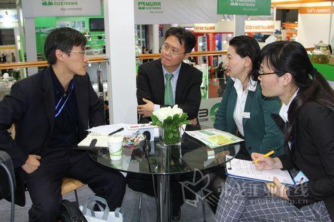 2013工业自动化展(IAS)访宜科(天津)电子有限公司高层