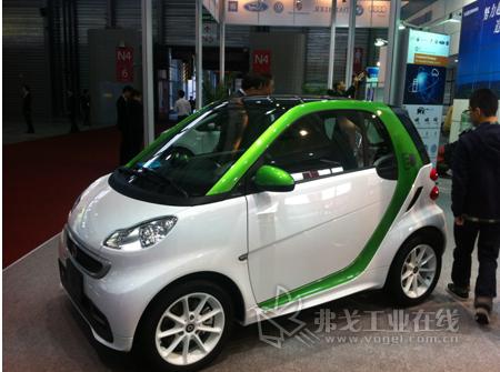 菲尼克斯电气展示新能源汽车领域的创新产品和前沿技术