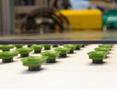 极具专知的生产工艺:完整的抽吸垫能够在单一操作中由LSR和热塑性塑料被生产出来(图片来自阿博格)