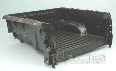 图15 SMC模压成型工艺生产的皮卡车厢