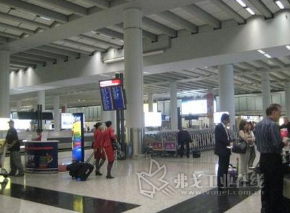 香港机场试用rfid自助行李寄存系统