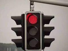 双离合变速箱等红灯时到底挡位怎么挂?