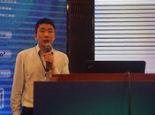 嘉实多中国工业润滑油产品支持经理姜峰先生发表演讲