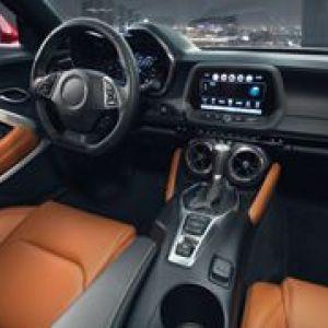 仪表板、 中控台和驾驶座舱