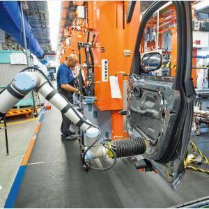 汽车制造业中的机器人