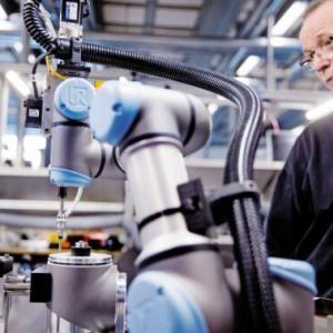 人-机器人-合作中人员的定位以及相关标准