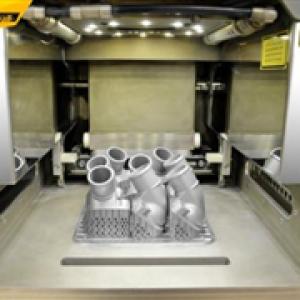 梅赛德斯-奔驰首次使用3D打印生产金属部件