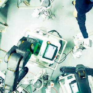 移动机器人加入生产线