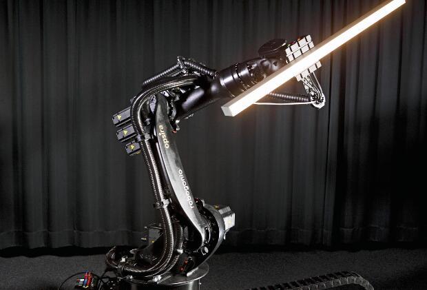 图1  Robogonio光测量仪可用于LED灯、汽车雾灯或机场飞机跑道上的飞机起降信号灯的检测