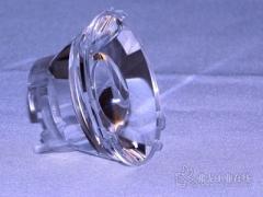 采用混合动力注塑技术生产高精密的光学部件