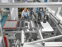 采用自动化大幅减少LED零件的生产时间