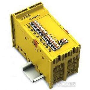 带有故障安全输出端的继电器模块