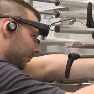 用于改善实时诊断的智能眼镜