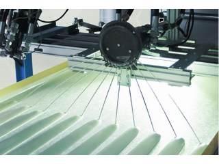 新型软、硬泡沫原材料的排出系统