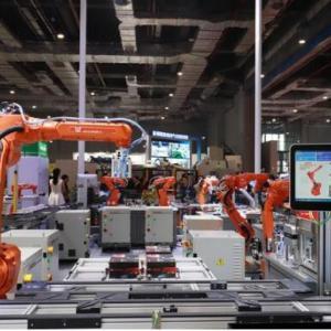 """国产机器人""""组团""""亮相""""工博会"""",""""洋机器人""""你还能牛多久?"""