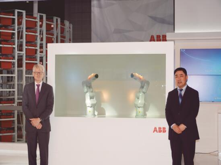 ABB最新款小型机器人IRB 1100在工博会首次亮相