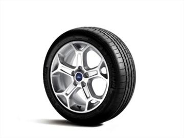 新轮胎装前边安全,还是装后边安全?