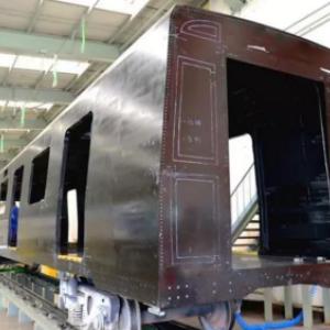 全碳纤维复合材料地铁车体研制成功
