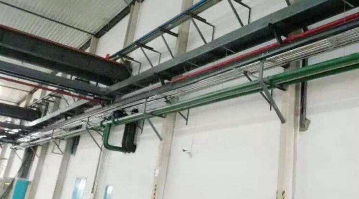 原料区及注塑车间均配置SRB-80-V鲁式风机,并搭载SCSF-200-F-E高性能中央过滤器