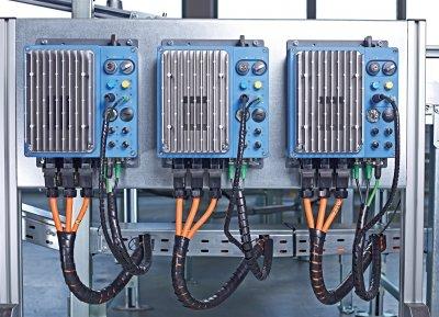 NORDAC LINK分布式驱动系统可靠近电机灵活安装,还可用作变频器或电机启动器。
