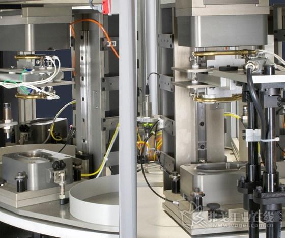 Dukane公司的旋转红外焊接系统通过使正常顺序的焊接步骤同时进行,从而实现了更快的速度