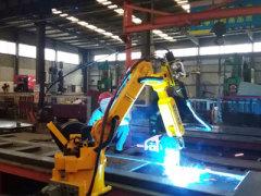 时代集团:自卸车箱板时代弧焊机器人系统
