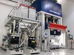 快速成型的热固性汽车复合材料:为量产而平衡的特性