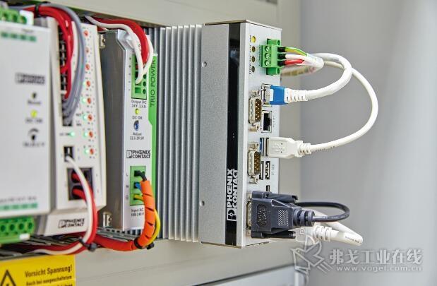 由于紧凑和无冷却风扇结构使得这种嵌入式计算机几乎可以在任何实际应用中装入