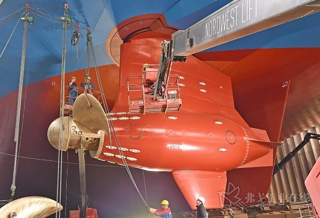 """目前安装在迈尔游轮""""世界梦""""号上的Azipod推进器降低了能耗,使船舶更具操控性"""