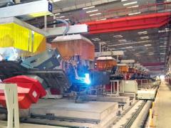 唐山开元:汽车起重机-转台智能化柔性焊接生产线
