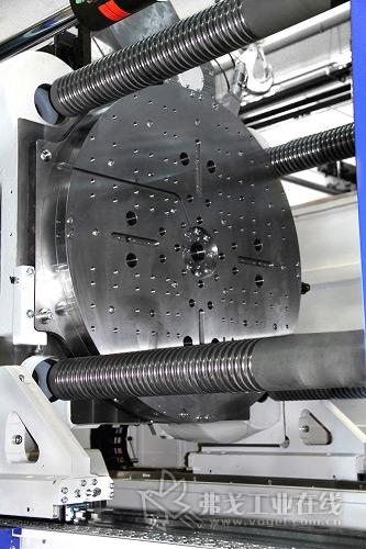 MacroPower 1300/5100H/750L COMBIMOULD注塑机的转盘