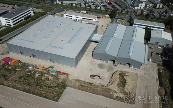 Nordson BKG GmbH 位于德国明斯特市的工厂,该工厂经过扩建,空间是原来的3倍,其中包含了包含了BKG® 造粒机和熔体输送系统的全新制造中心