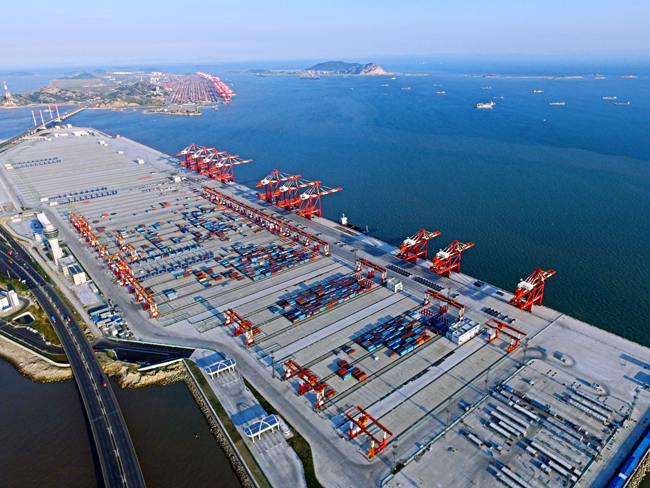 贝加莱为洋山港四期提供自动装卸方案