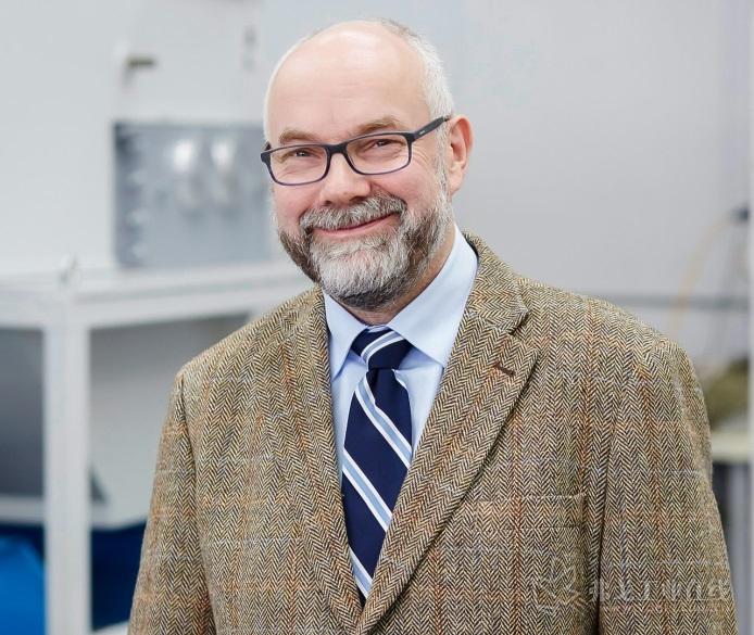 TBT深钻技术公司的刀具专家Thomas Bruchhaus博士