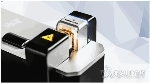 UWS40线束焊接机配备彩色的LED指示灯
