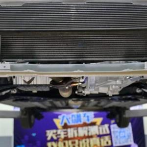 宝骏310底盘拆解,看看这辆廉价车底盘用料如何?
