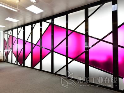 PLEXIGLAS®宝克力®板材:为办公区打造靓丽风景线