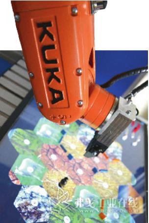 ABB 公司研发生产的合作机器人