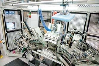 在完成对生产产品的识别之后,加工机床自动从后台系统中获取所需的机床调整、设置参数