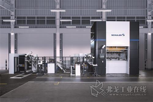 舒勒全新的 MSP 400 压力机拥有诸多智能功能以及高产出率,工艺可靠,并且操作直观