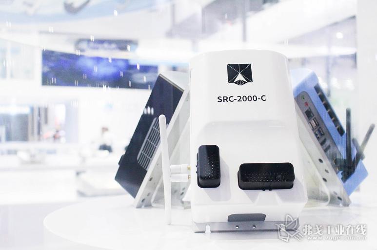 仙知自主研发的SRC系列核心控制器